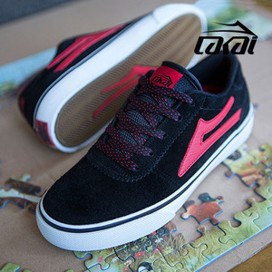 ��ī�� ��ü���� ��ս� �? ���� �����̵� LAKAI MANCHESTER KIDS BLACK RED SUEDE